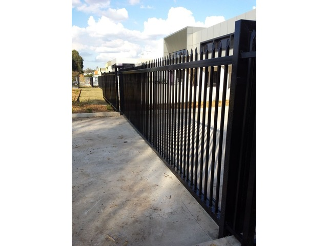 Importance of commercial fencing in Melbourne Victoria - 4/5