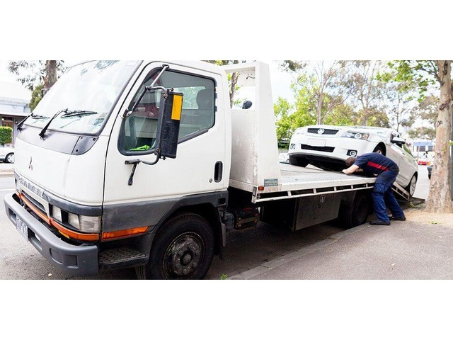 Towing Services in Essendon - Melbourne CBD Towing - 1/2
