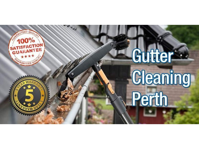 Commercial Gutter Cleaning - 2/5