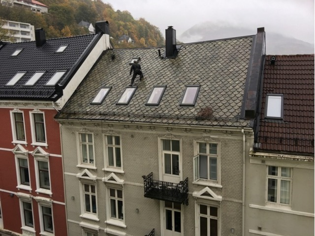 Commercial Gutter Cleaning - 4/5