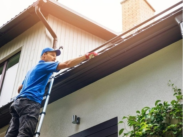 Commercial Gutter Cleaning - 5/5